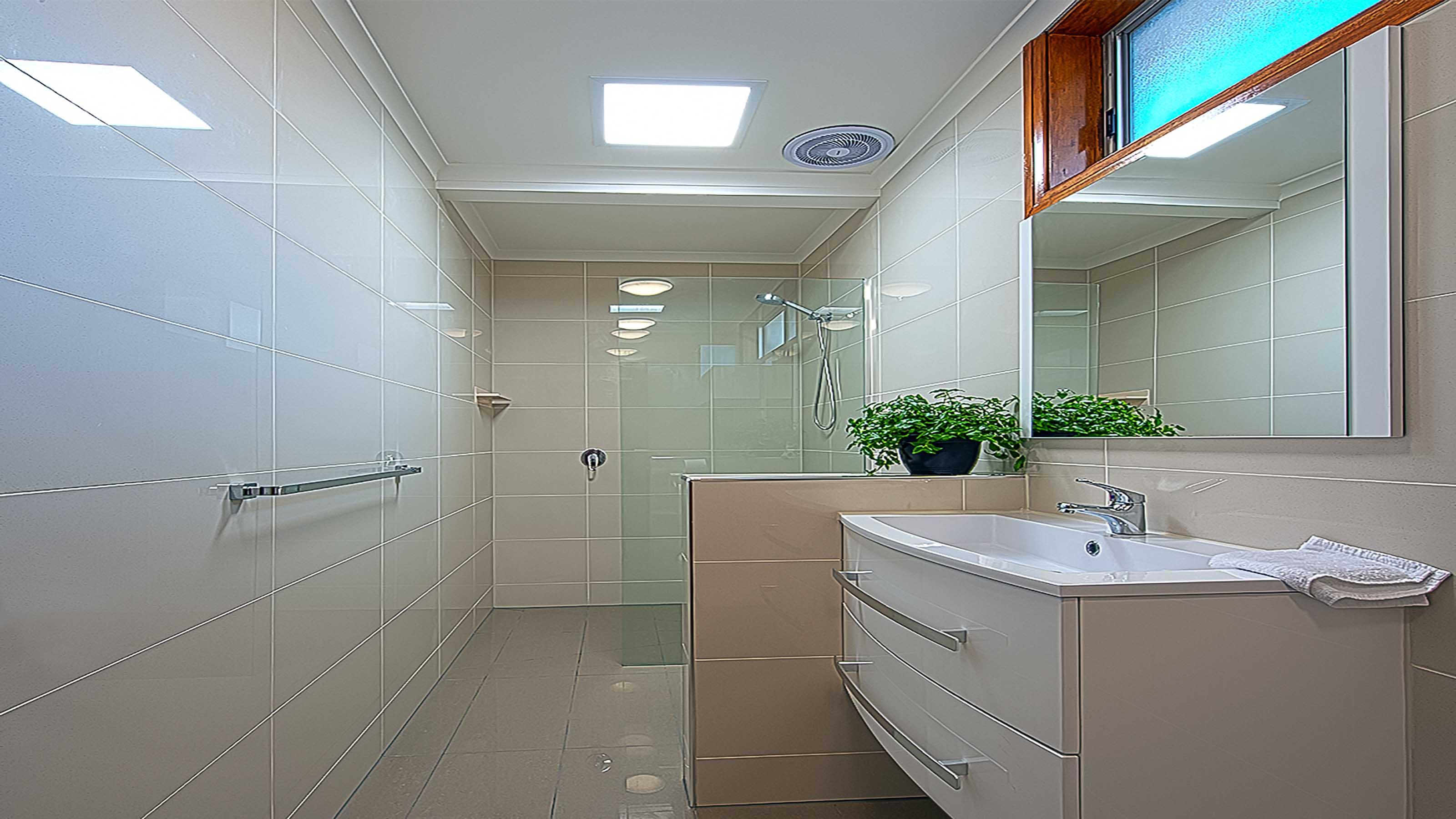 Shower Screens Geelong | Frameless & Semi-Frameless Glass
